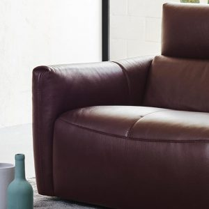 Galaxy Natuzzi Italia Dual Motor Power Recline Closeup